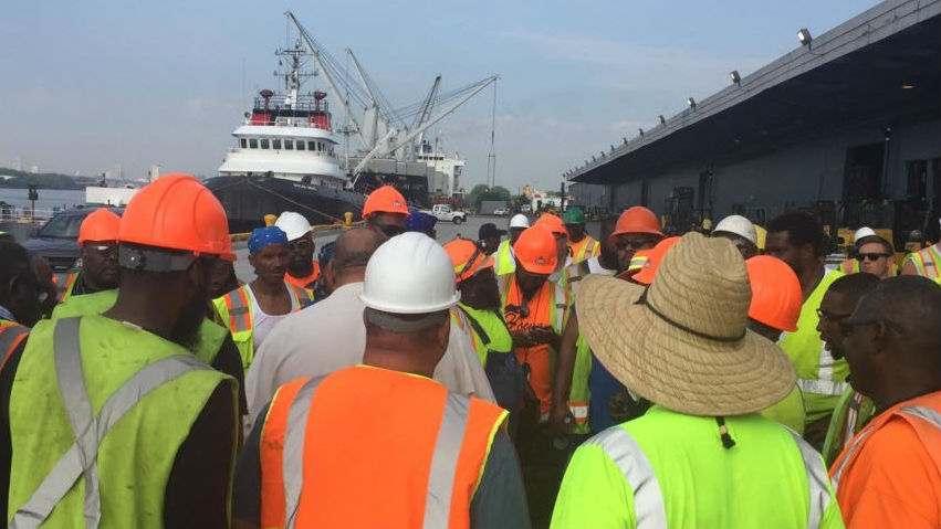 West Coast Longshoremen Ratify Contract Extension